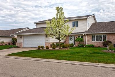 1560 River Pines Drive, Green Bay, WI 54311 (#50182056) :: Symes Realty, LLC