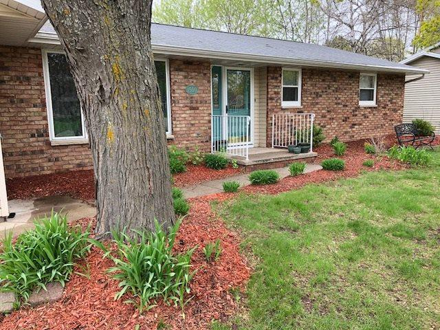 1500 Cormier Road, Green Bay, WI 54313 (#50183267) :: Symes Realty, LLC