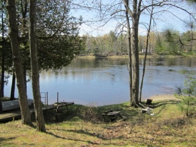 N5265 R-1 Lane, Wallace, MI 53221 (#50183393) :: Dallaire Realty