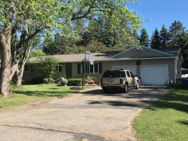 1206 2ND Avenue, Crivitz, WI 54114 (#50186372) :: Dallaire Realty