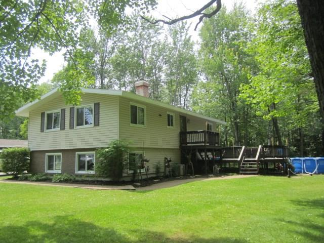 421 Right Of Way Road, Peshtigo, WI 54157 (#50186751) :: Todd Wiese Homeselling System, Inc.