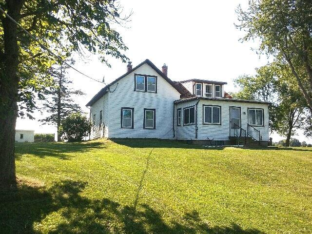 N8629 Long Lake Road, Brillion, WI 54110 (#50187327) :: Todd Wiese Homeselling System, Inc.