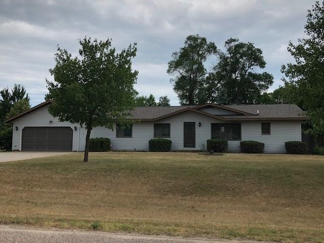 E2406 Janl Drive, Waupaca, WI 54981 (#50187569) :: Todd Wiese Homeselling System, Inc.