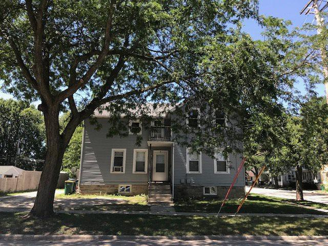 4 S Gould Street, Fond Du Lac, WI 54935 (#50187979) :: Todd Wiese Homeselling System, Inc.