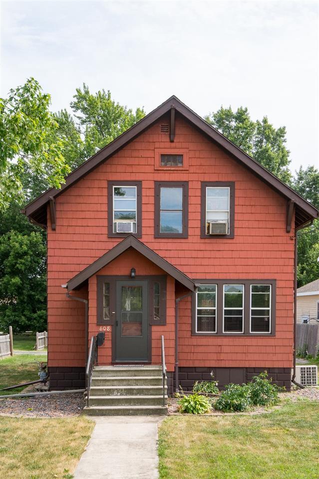 608 W Winneconne Avenue, Neenah, WI 54956 (#50188068) :: Todd Wiese Homeselling System, Inc.