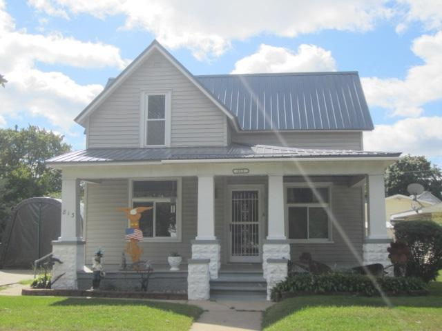 813 Carney Boulevard, Marinette, WI 54143 (#50192317) :: Symes Realty, LLC