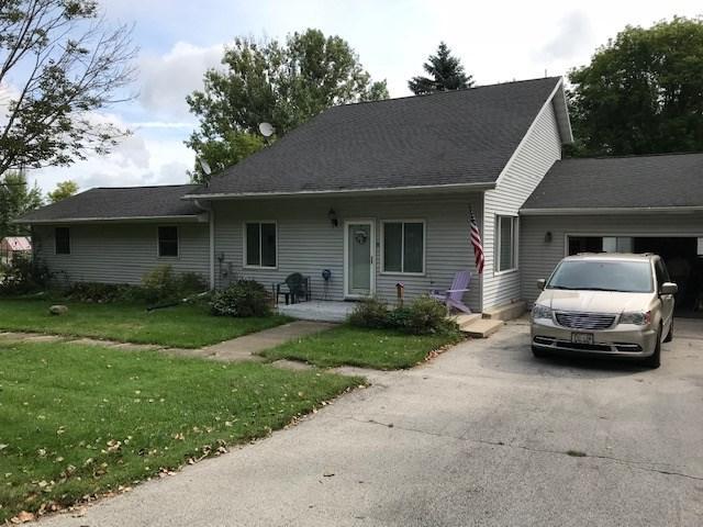 14010 Painter Lane, Reedsville, WI 54230 (#50192513) :: Symes Realty, LLC