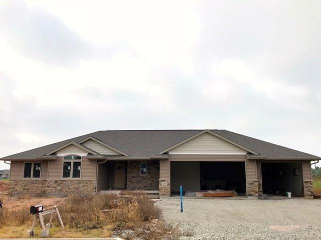 1811 White Wolf Lane, Kaukauna, WI 54130 (#50192676) :: Dallaire Realty