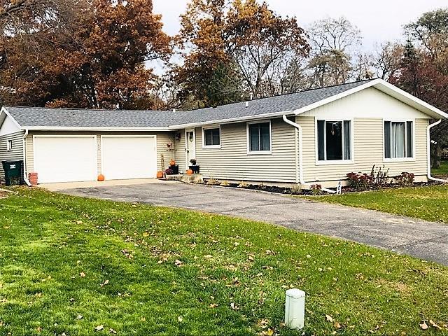 604 Wisconsin Street, Waupaca, WI 54981 (#50193691) :: Todd Wiese Homeselling System, Inc.
