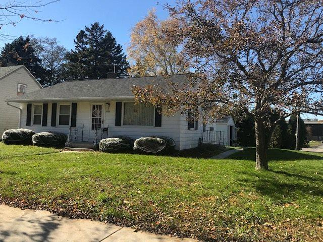 1112 N 23RD Street, Manitowoc, WI 54220 (#50193714) :: Dallaire Realty