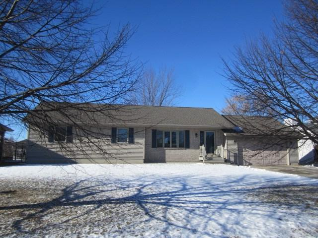 2127 Tori Lane, Marinette, WI 54143 (#50196977) :: Symes Realty, LLC