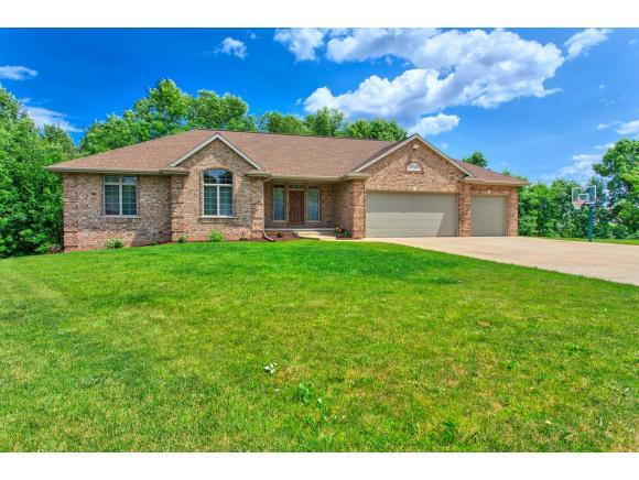 2920 Tea Olive Court, Green Bay, WI 54313 (#50198710) :: Dallaire Realty