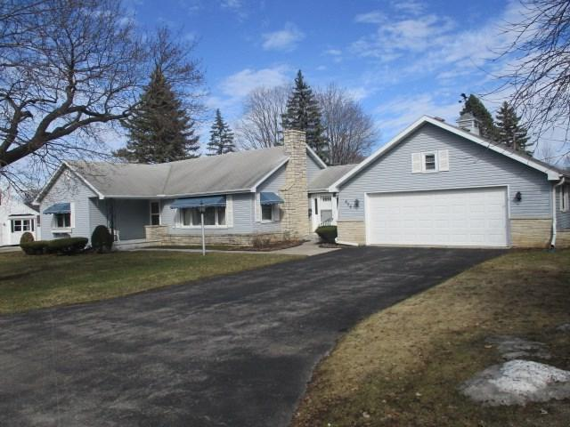 438 Green Street, Seymour, WI 54165 (#50200551) :: Dallaire Realty