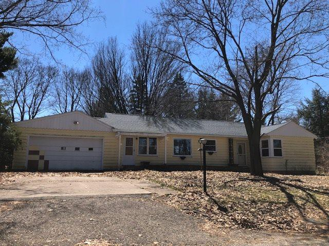 211 E High Street, Weyauwega, WI 54983 (#50201227) :: Dallaire Realty