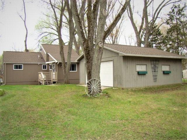 E7677 Cut Off Road, New London, WI 54961 (#50202593) :: Todd Wiese Homeselling System, Inc.