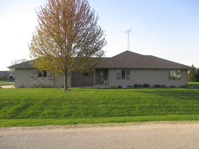 N6533 Carrington Drive, Fond Du Lac, WI 54937 (#50203282) :: Dallaire Realty