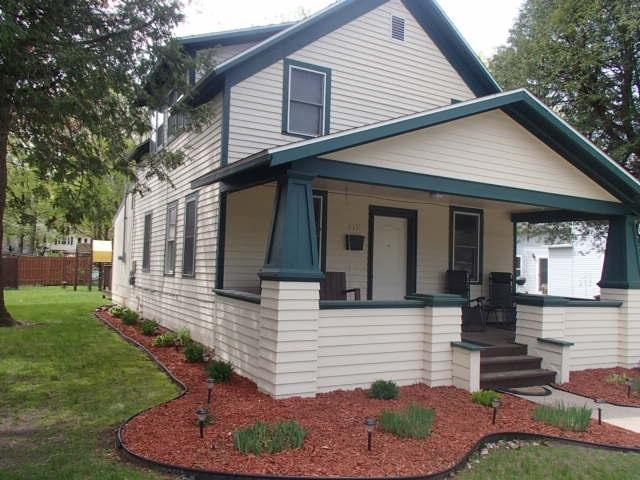 617 S Lafayette Street, Shawano, WI 54166 (#50203484) :: Todd Wiese Homeselling System, Inc.