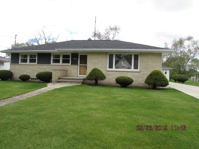925 4TH Street, Menasha, WI 54952 (#50203526) :: Todd Wiese Homeselling System, Inc.