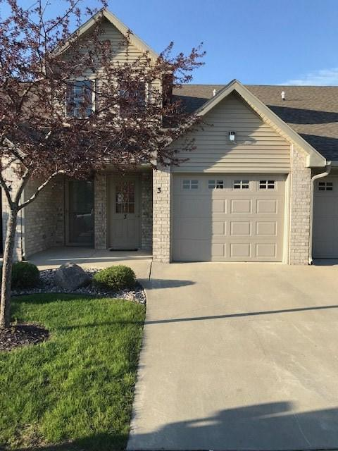 1681 W Main Circle #3, De Pere, WI 54115 (#50203612) :: Todd Wiese Homeselling System, Inc.
