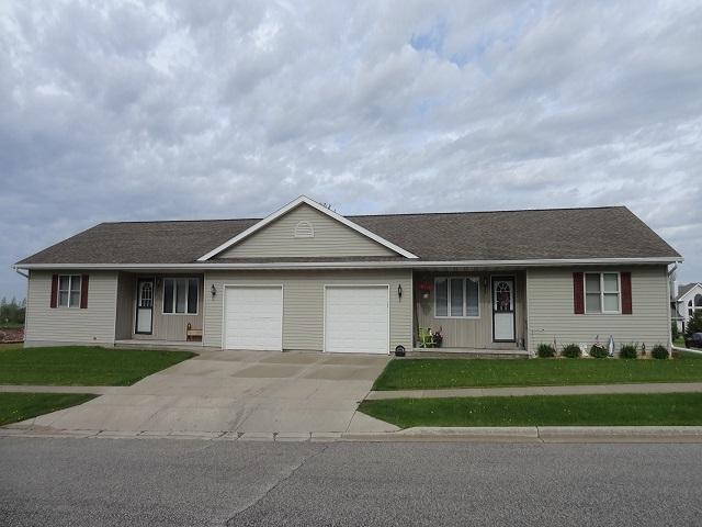 516 S Adams Street, Valders, WI 54245 (#50203876) :: Todd Wiese Homeselling System, Inc.