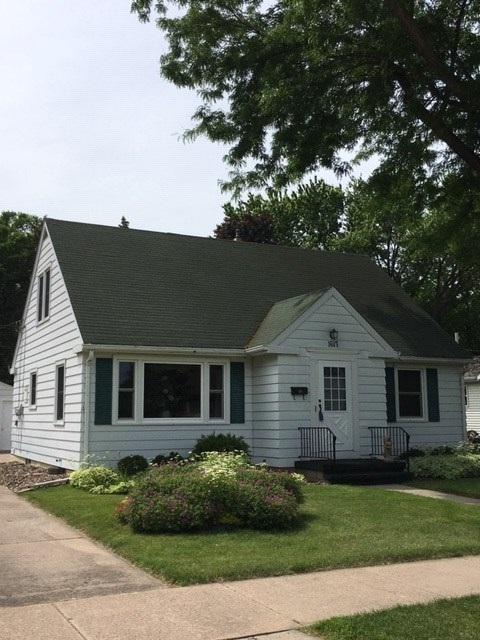 1617 Grove Street, Oshkosh, WI 54901 (#50205526) :: Symes Realty, LLC