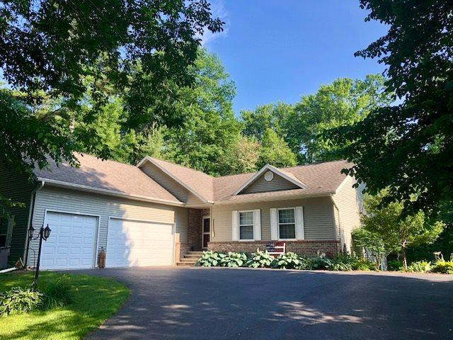 4544 Point Comfort Lane, Green Bay, WI 54311 (#50207003) :: Symes Realty, LLC