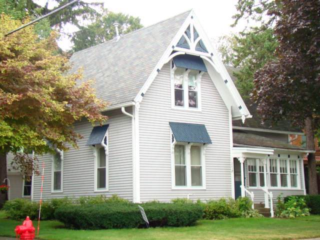 202 West Cook Street, New London, WI 54961 (#50210922) :: Todd Wiese Homeselling System, Inc.