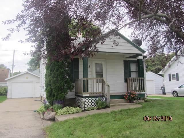 122 W Douglas Street, Neenah, WI 54956 (#50210951) :: Todd Wiese Homeselling System, Inc.