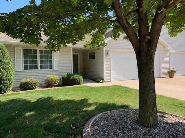 2670 Wisconsin Street, Oshkosh, WI 54901 (#50211049) :: Todd Wiese Homeselling System, Inc.