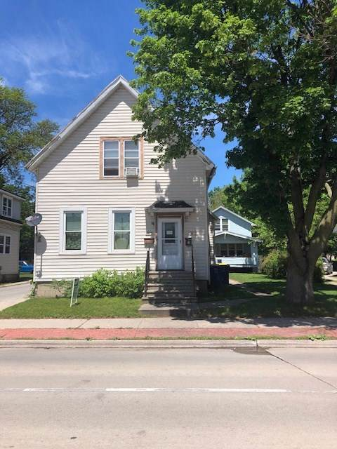 1021 E Walnut Street, Green Bay, WI 54301 (#50211255) :: Symes Realty, LLC