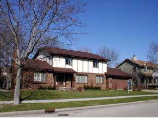 1765 Cliffview Drive, Oshkosh, WI 54901 (#50211397) :: Todd Wiese Homeselling System, Inc.