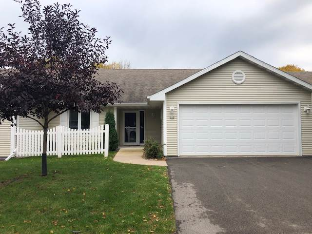 227 Lake Pointe Drive, Oshkosh, WI 54904 (#50212821) :: Dallaire Realty