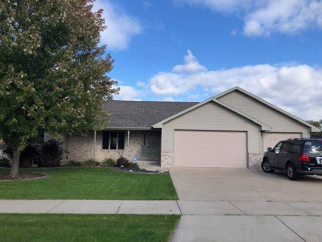 4590 Shambeau Drive, Oshkosh, WI 54901 (#50212837) :: Dallaire Realty