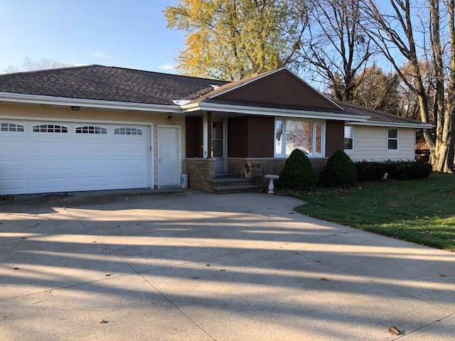 2109 W Capitol Drive, Appleton, WI 54914 (#50213681) :: Todd Wiese Homeselling System, Inc.