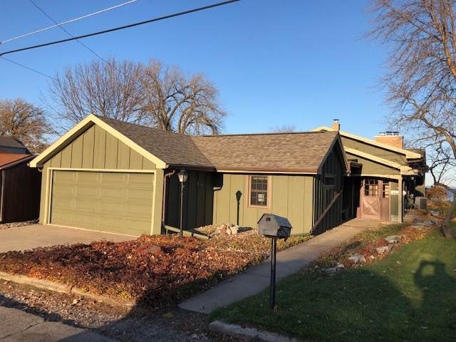 2228 Hickory Lane, Oshkosh, WI 54901 (#50213791) :: Todd Wiese Homeselling System, Inc.