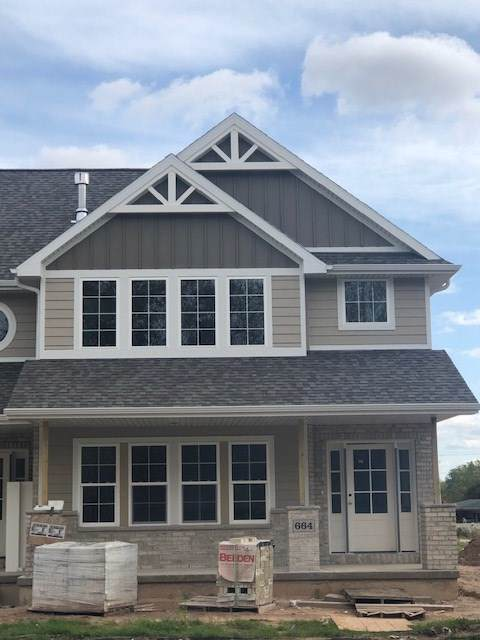 664 Olive Tree Drive, Green Bay, WI 54313 (#50213912) :: Todd Wiese Homeselling System, Inc.