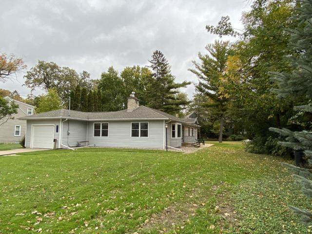 317 6TH Street, Neenah, WI 54956 (#50213985) :: Todd Wiese Homeselling System, Inc.