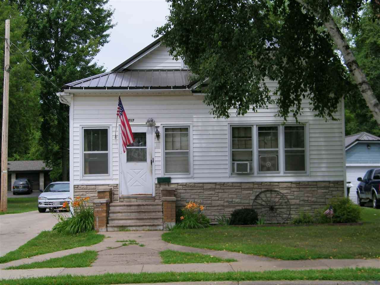 217 Center Street - Photo 1