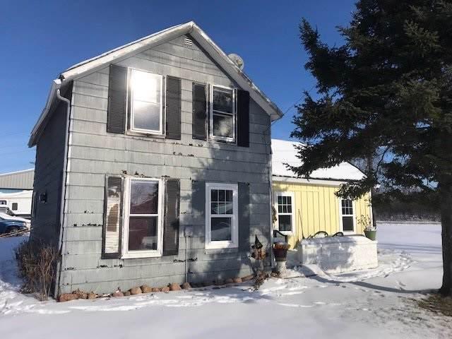 122 Pine Street, Tigerton, WI 54486 (#50215298) :: Todd Wiese Homeselling System, Inc.