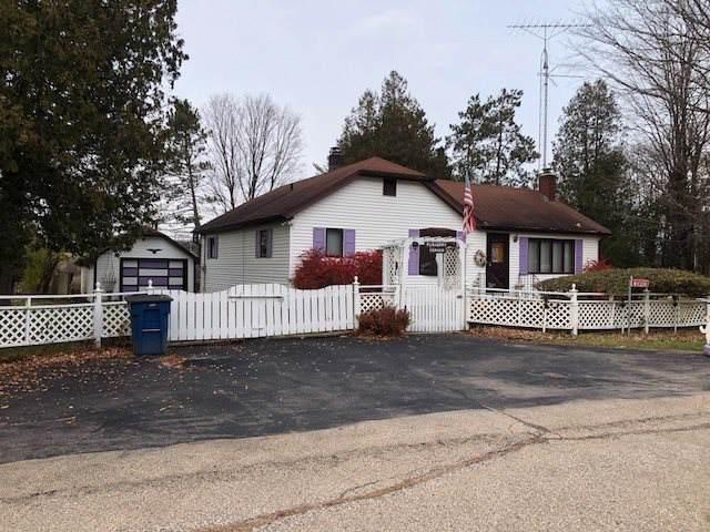 W11324 Flauger Lane, Gresham, WI 54128 (#50215875) :: Todd Wiese Homeselling System, Inc.