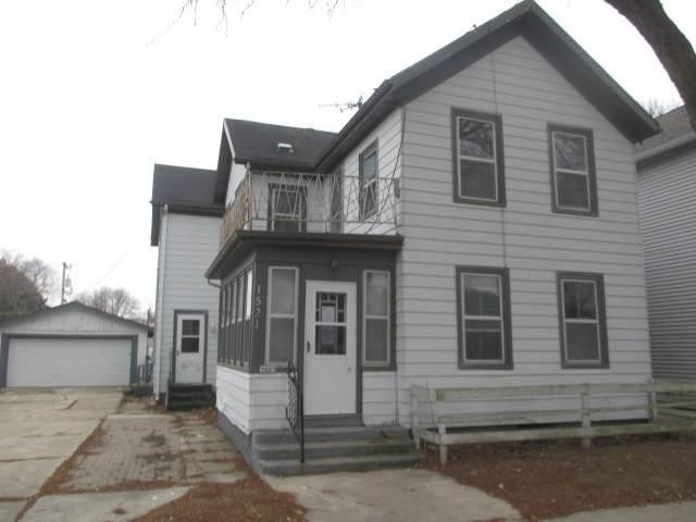 1521 Michigan Avenue, Sheboygan, WI 53081 (#50217025) :: Todd Wiese Homeselling System, Inc.