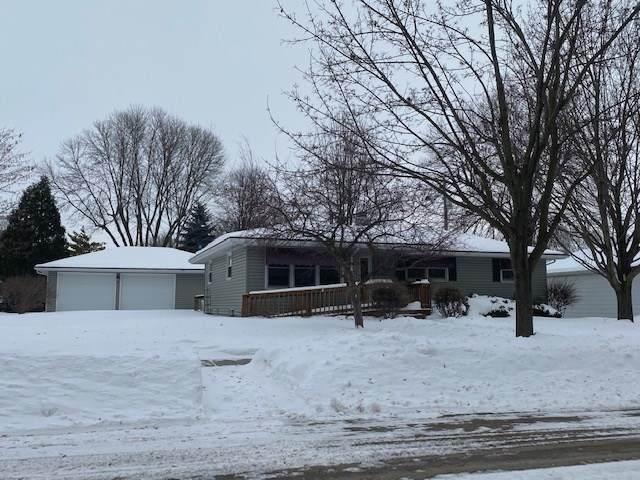 604 N Black Street, Kaukauna, WI 54130 (#50217492) :: Todd Wiese Homeselling System, Inc.