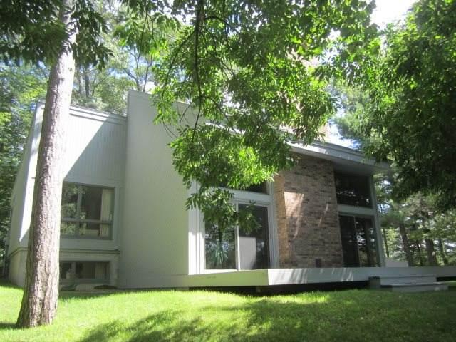 W7740 Fernwood Drive, Menominee, MI 49858 (#50217716) :: Todd Wiese Homeselling System, Inc.