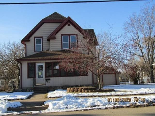 204 Bennett Street, Clintonville, WI 54929 (#50217953) :: Todd Wiese Homeselling System, Inc.
