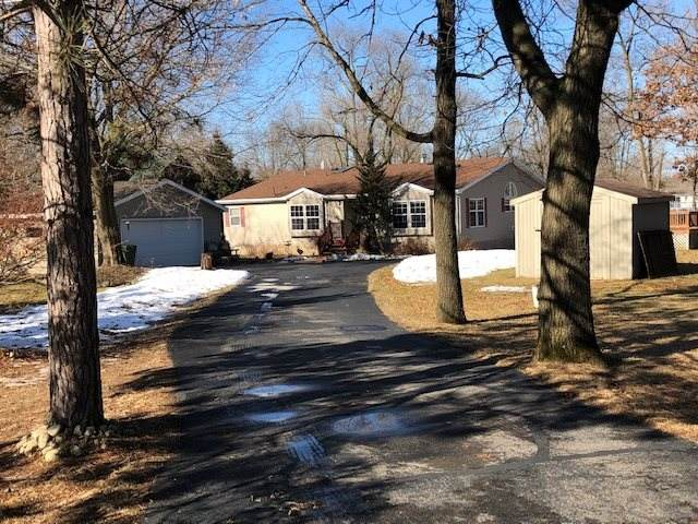 N3527 W Tomahawk Trail, Montello, WI 53949 (#50218784) :: Todd Wiese Homeselling System, Inc.