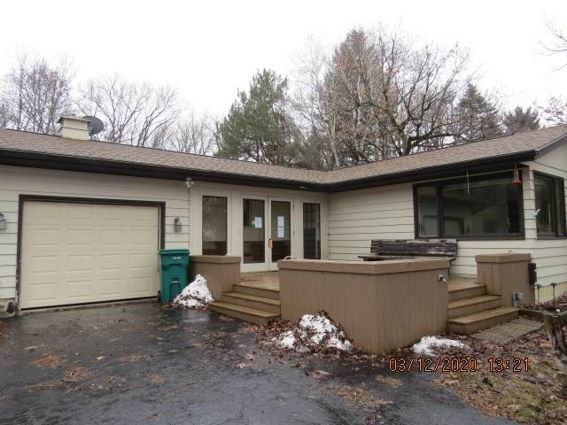 W2891 Wick Road, Markesan, WI 53946 (#50218885) :: Todd Wiese Homeselling System, Inc.