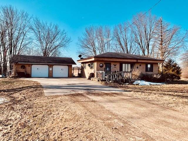 W2240 Brown Deer Avenue, Poy Sippi, WI 54967 (#50219310) :: Todd Wiese Homeselling System, Inc.
