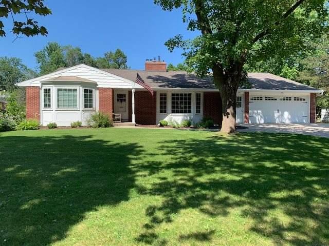440 W Briar Lane, Green Bay, WI 54301 (#50219370) :: Todd Wiese Homeselling System, Inc.