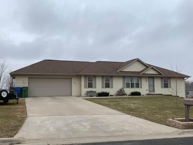 6709 Cascade Drive, Greenleaf, WI 54126 (#50219377) :: Todd Wiese Homeselling System, Inc.