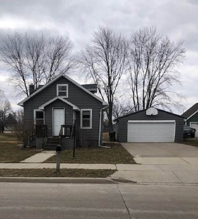 329 High Street, Wrightstown, WI 54180 (#50219705) :: Symes Realty, LLC